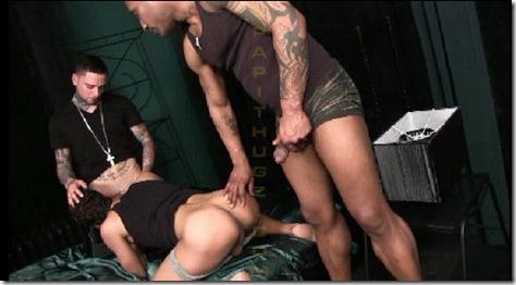 papithugz-gusto-filling-his-holes